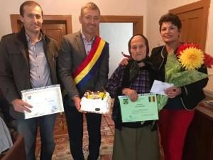 Surpriză făcută de autorități unei bătrâne din Olt care a împlinit 100 de ani