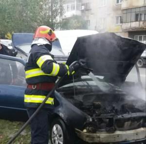 Slatina: Mașină în flăcări