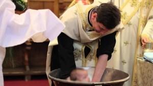 ''Invitați'' neașteptați la botez