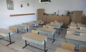 MEC: 1.889 de unităţi de învăţământ funcţionează în scenariul roşu