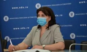 Monica Anisie: Tezele școlare nu se mai susțin
