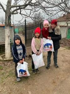 Copiii din Găneasa au primit cadouri de la Moș Crăciun