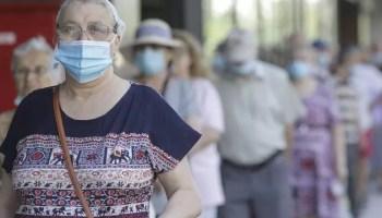 masca Israelul elimină masca de protecţie în aer liber