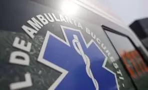 Trei persoane au fost rănite într-un carambol