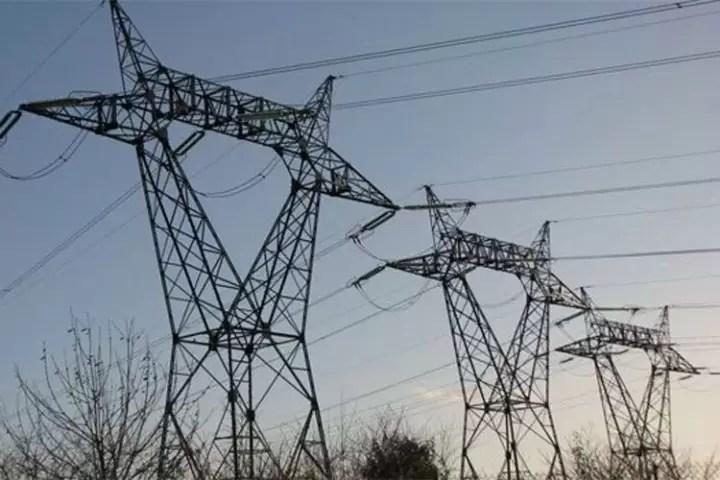 stalpi-inalta-tensiune-electricitate