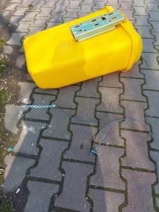 Noile coșuri de gunoi din Corabia au fost vandalizate