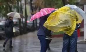 Vești proaste pentru bucureșteni: Ploi, vânt și temperaturi scăzute