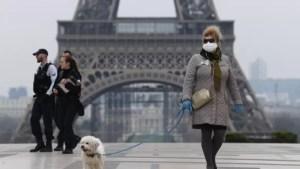 Franța a decis ca persoanele vaccinate să poată renunța la masca de protecție în anumite condiții
