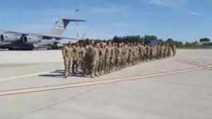 Încă un contingent format din circa 60 de militari români s-a întors din Afganistan