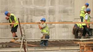 Angajații din construcții, fără scutiri de taxe