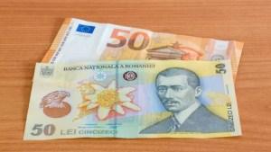 Euro urcă la un nou maxim istoric față de leu