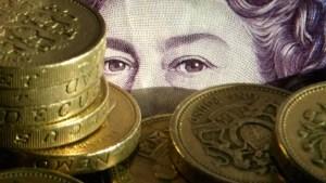 """""""Ziua libertății"""" prăbușește lira sterlină. Moneda britanică înregistrează cel mai scăzut nivel din aprilie"""