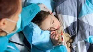 Părinții care au COVID vor fi tratați la pediatrie, dacă sunt internați împreună cu copiii lor