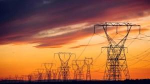 România a importat marţi peste 2.100 de MW de electricitate. Preţul pe bursă a ajuns la un nou record istoric