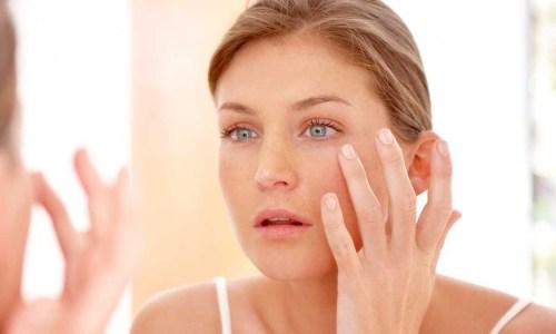 7 gjërat që shkaktojnë njolla të errëta në fytyrë
