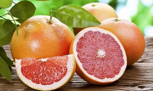 Shumë Ujë Pak Kalori: 9 Ushqimet Më Të Mira Të Verës
