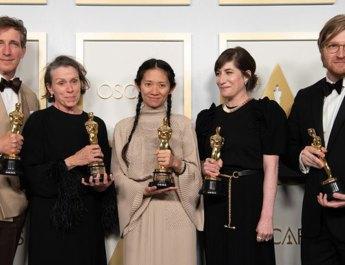 93. Oscar Ödülleri'ne Nomadland damga vurdu: Chloé Zhao 'En İyi Yönetmen' ödülünü alan ilk Asyalı kadın oldu
