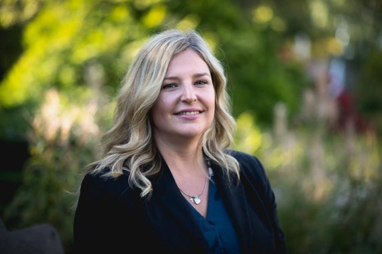 Dr. Jacqueline Blundell