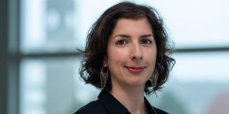 Dr. Paula Mendonça