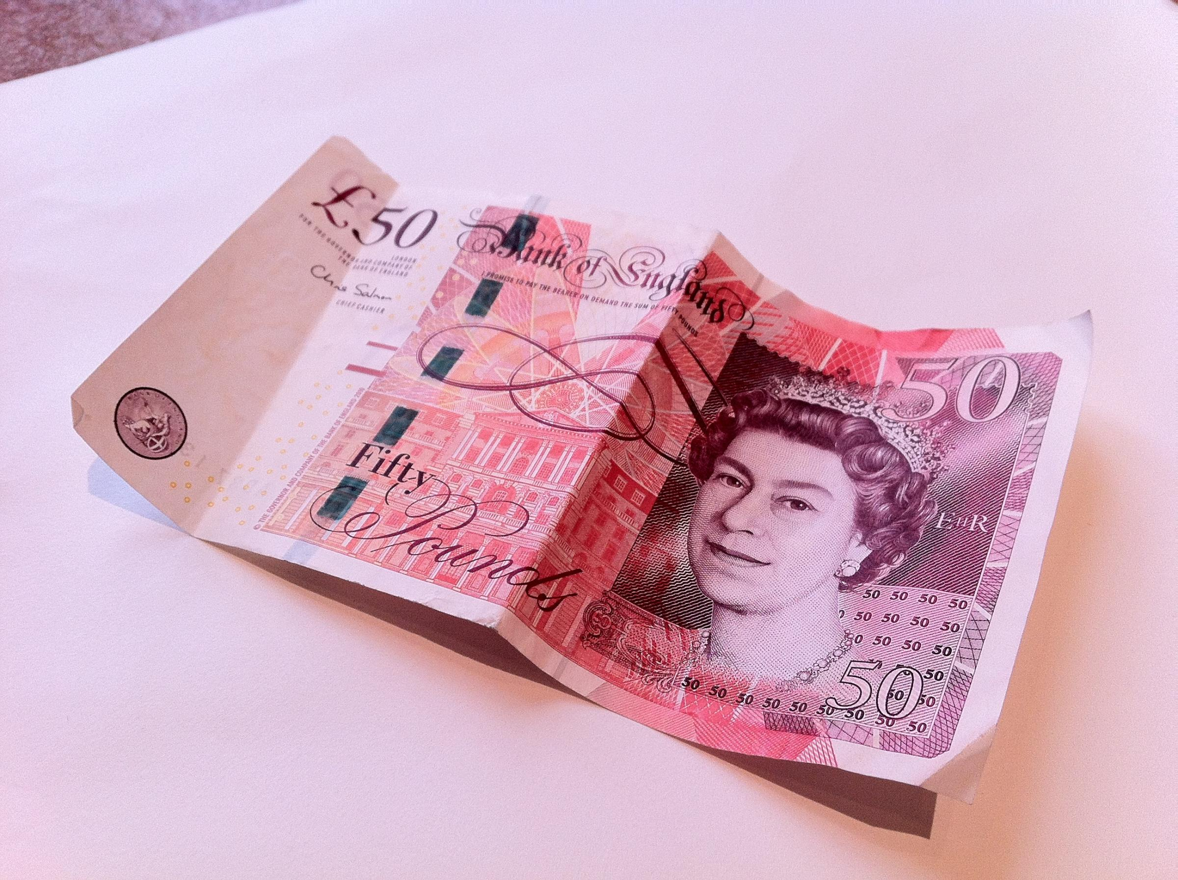 50*50 Warning After Men Try To Spend Fake £50 Notes In Wotton | Gazette Series