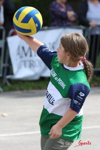 Ballon au poing (Reynald Valleron (133)