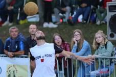 Ballon au poing (Reynald Valleron (61)