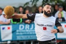 Ballon au poing (Reynald Valleron (64)