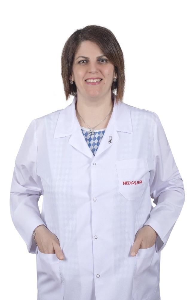 """Dr. Vuslat Keçik Boşnak: """"Antibiyotikler her hastalığı tedavi etmez"""""""