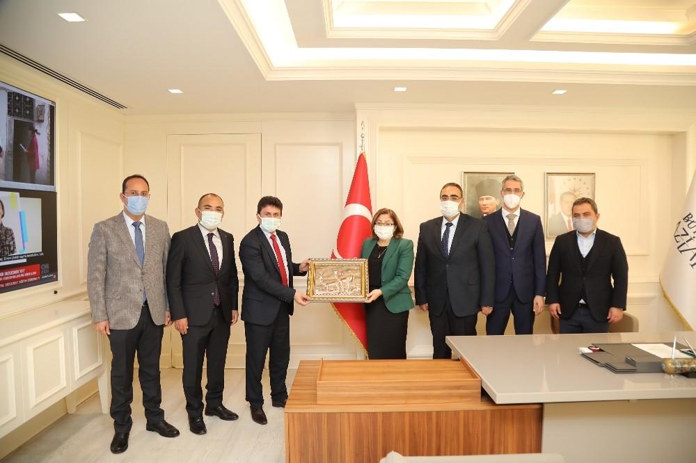 Türkiye'nin en büyük hayvan barınağı için adımlar atıldı