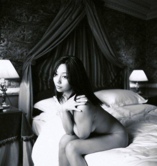 小泉麻耶ヌード (85)