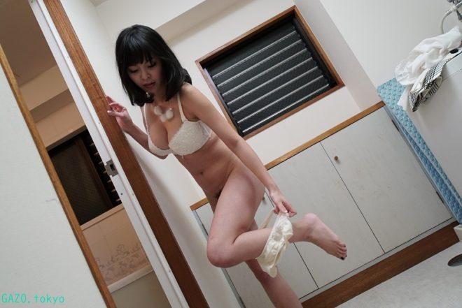 Hカップな真菜果ちゃんの画像 (14)