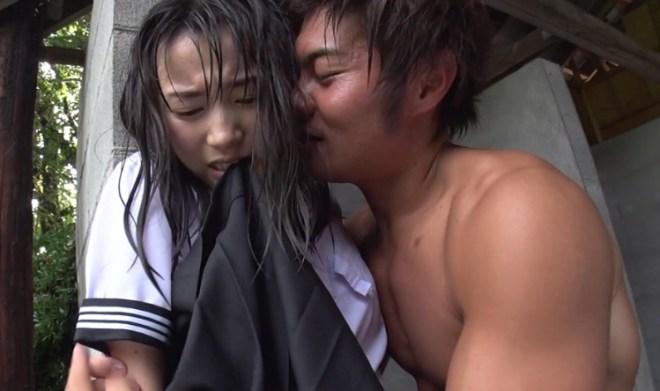びしょ濡れ女子高生雨宿り強制わいせつ (28)