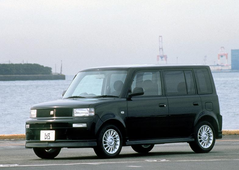 トヨタ・bB…なつかしい日本のコンパクトカー | トヨタ自動車の ...