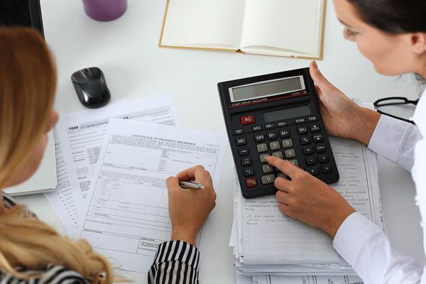 Mujeres gestionando la capitalización del desempleo