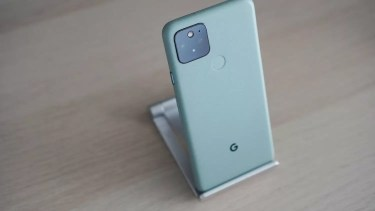 Google Pixel 6。画面内指紋センサーを新たに採用。そして顔認証復活へ