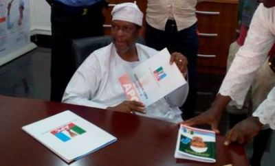 Senator Ajayi Boroffice Picks APC Form