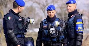 6 Italian Policemen arrested