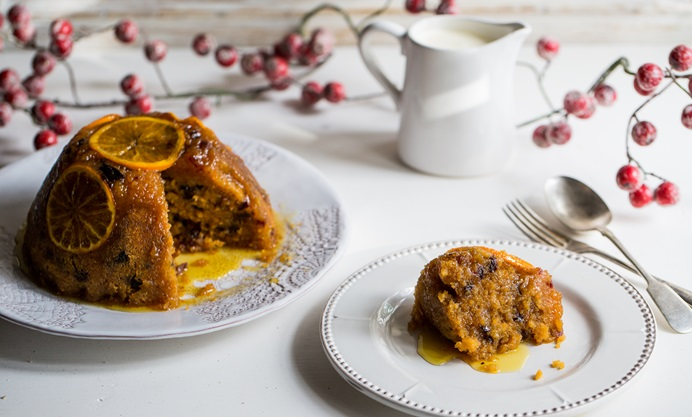 Резултат со слика за Spiced orange cake with Christmas pudding ice cream