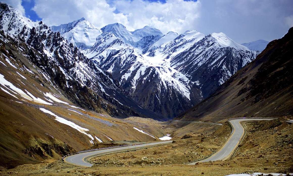 Karakoram Highway (KKH) at near Khunjerab Pass — Photo by Najeeb Mahmud
