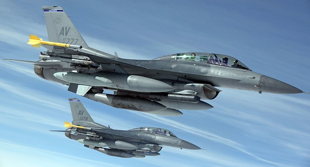military-jets-1109093__340