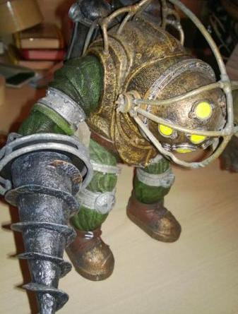 Raptures Lost's Collectables Review: Bioshock (Big Daddy Bouncer)