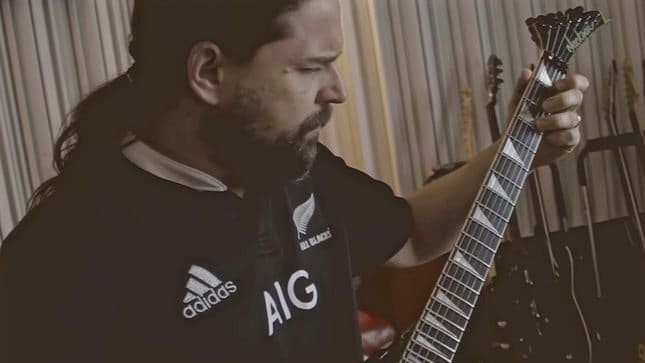 sepultura-release-machine-messiah-studio-diary-6-guitars-video-streaming-image