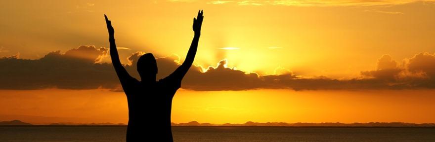 Prayer_man_with_raised_arms_ml
