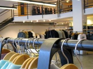 Indústria de roupas recompõe preços
