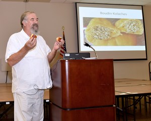 Robb Walsh, lecture guest speaker at Galveston College