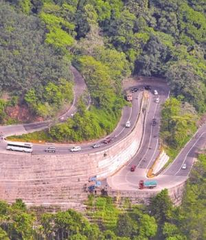 Mountain_Pass_Wayanad
