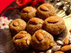 Chane Ke Laddu Recipe