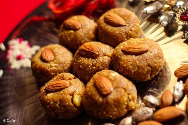 Chane Ke Laddu Recipe