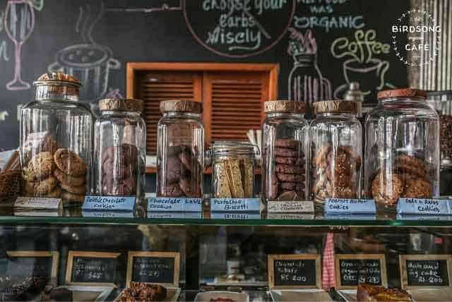The-Birdsong-Cafe,-Bandra,-Mumbai