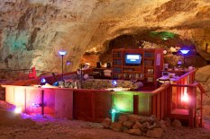 gc_caverns_suite_route_66188